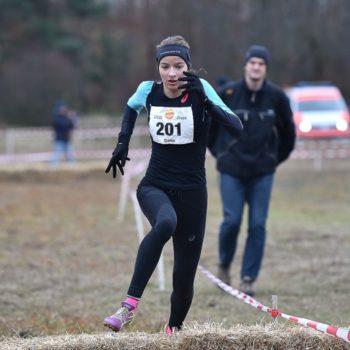 Delia Sclabas am Crosslauf in Darmstadt 2017 (2. Rang U20)