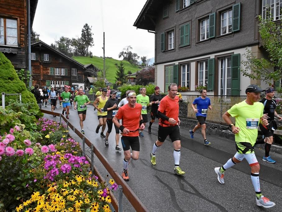 Jungfrau-Marathon: Durchlauf in Gsteigwiler